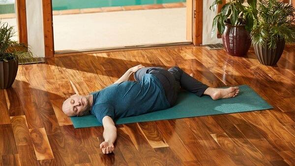 Các tư thế yoga chữa bệnh mất ngủ