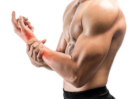 Chấn thương cổ tay khi tập thể hình